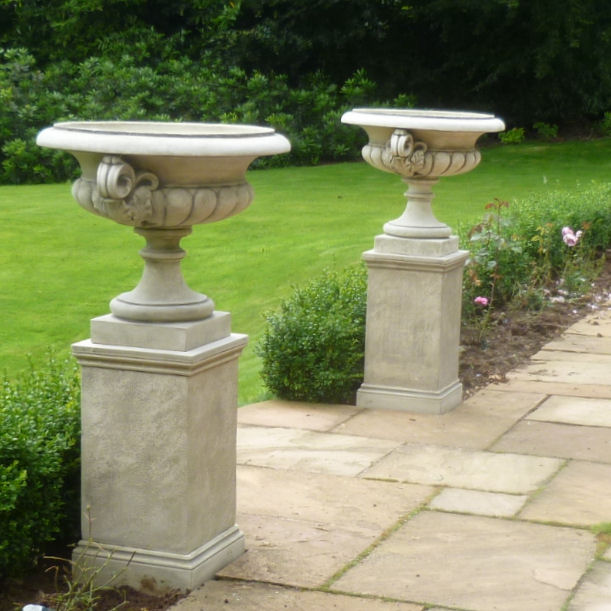 Landscaping With Urns : Chesterblade urn stone garden ornaments