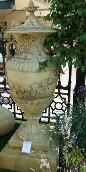 Swedish Vase Water Feature Stone Garden Ornaments